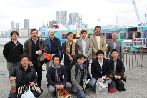 竹芝桟橋で全員で集合写真