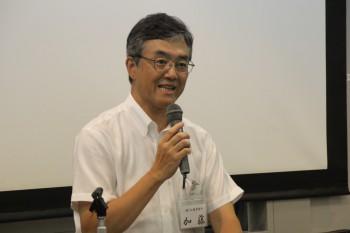 15年のゴム業界の展望を述べる加藤氏